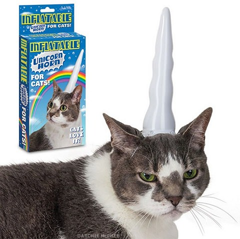 ↑ Inflatable Unicorn Horn for Cats