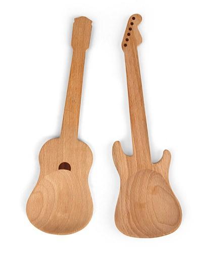 ↑ Kikkerland Rockin Wooden Spoons, Set of 2