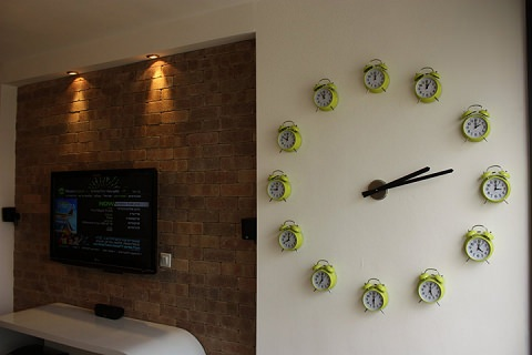 ↑ Clock Made of Clocks