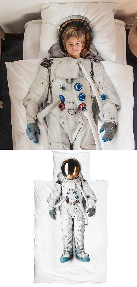 ↑ Astronaut